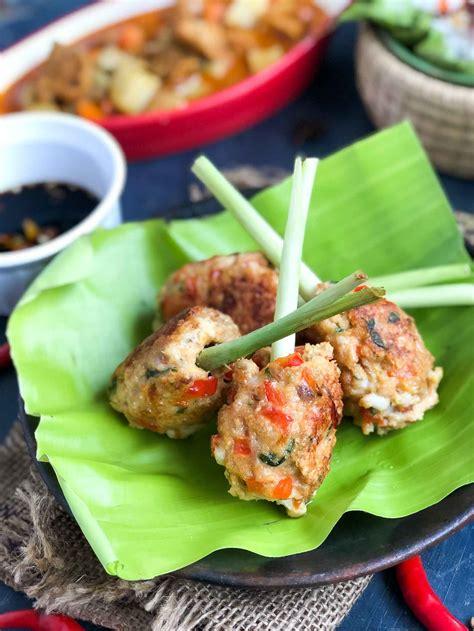 vietnamese lemongrass shrimp skewers recipe  archanas