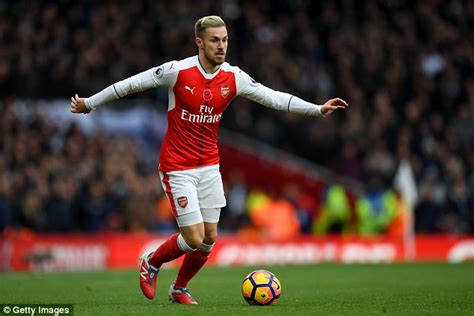 arsene wenger s decision to start aaron ramsey in arsenal opener arsenal made me feel more wanted than manchester united