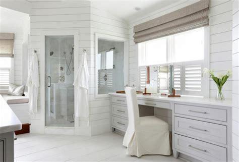 baignoire deco ameublement de salle de bain rideaux ou parois originaux