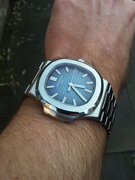 Pp 010 X 15x25 review the patek philippe nautilus ref 5711 1p in platinum with only a handful sold each year
