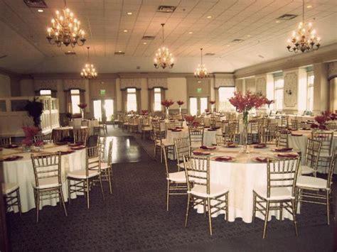 chiavari chairs wedding arbor mi beautiful gold chiavari chairs at polo fields in arbor