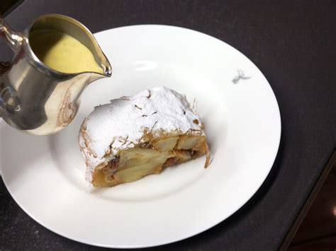 best apple strudel the best apple strudel in the world