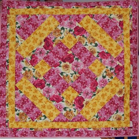 quilt pattern with three fabrics sweet 3 fabric quilt by turtledovequilts craftsy