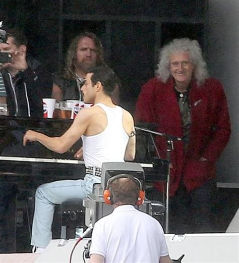 did the actor who played freddie mercury really sing leaked video from queen movie shows why rami malek is the