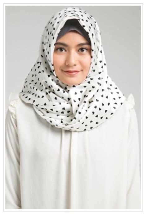 Model Jilbab Terbaru 2017 10 Model Jilbab 2017 Terbaru Yang Mempesona Jilbab Cantik