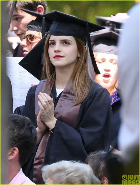 emma watson college major 외방커뮤니티 gt 헐리우드 gt 브라운대 졸업식에 참여한 엠마왓슨