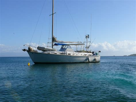 boat listing rusty s sailboat tours charters utila the bay islands