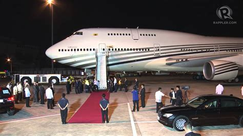 sultan hassanal bolkiah plane apec 2015 arrival of sultan hassanal bolkiah brunei