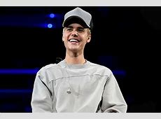 Justin Bieber Passes 80 Million Twitter Followers: See His ... Justin Bieber Smiling 2017 Close Up