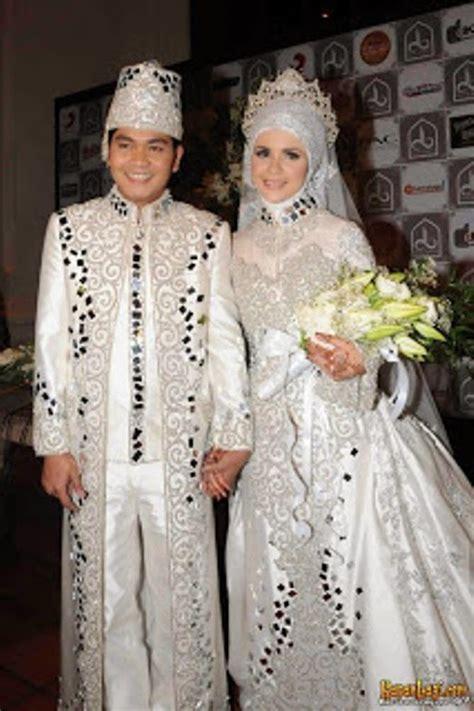 Gamis Putih Terbaru Koleksi Gambar Baju Pengantin Muslim Modern Putih Elegan