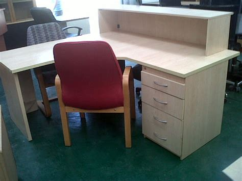Maple Reception Desk Maple Reception Desk Used Office Furniture At Paddock Woods
