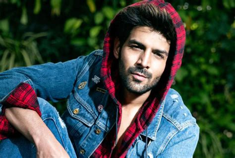 kartik aaryan  working  kjo