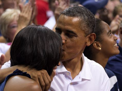 michelle obama verizon center president and michelle obama applauded for quot kiss cam