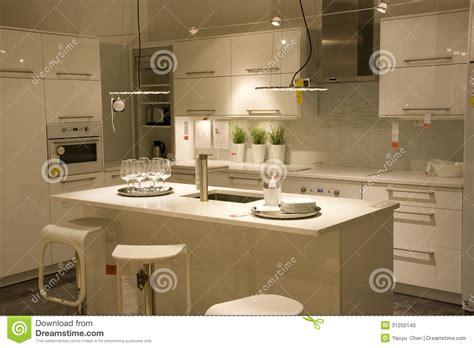 dise 241 o de interiores moderno de la cocina foto de archivo