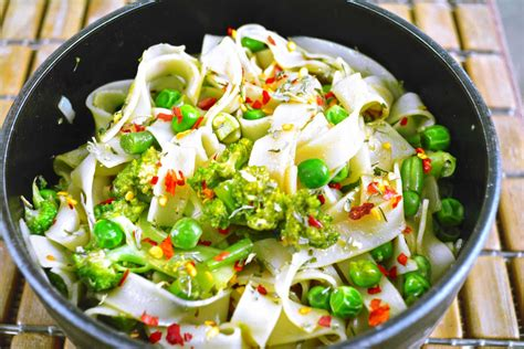rice noodle salad asian style rice noodle salad recipe with vegetables