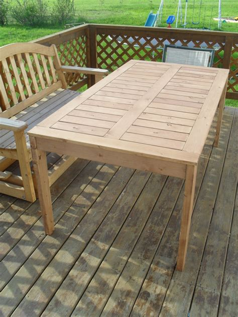 Build Patio Table by White Modified Simple Outdoor Dining Table Diy