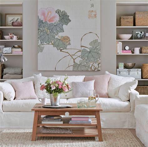 grey wallpaper uk living room salas pequenas romanticas e muito charmosas decorandoonline