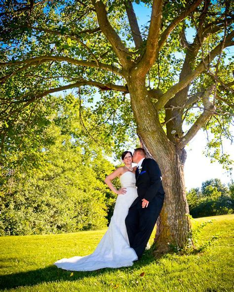 Best 25  Outdoor wedding photography ideas on Pinterest