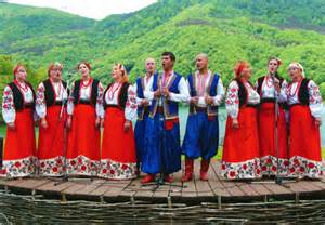 World come to my home 0783 ukraine men and women in traditional