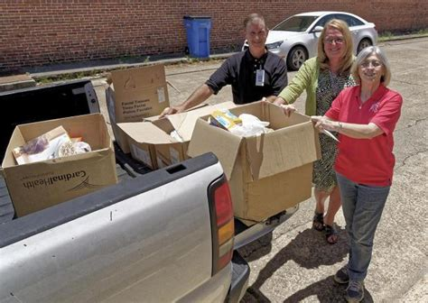 Lu Emergency Way ffh rounds up donations for local emergency aid center