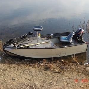 bass fishing small boat small bass fishing boat www pixshark images