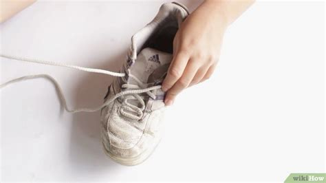 7 Steps To Clean And Fresh Workout Shoes by 3 Formas De Limpiar Zapatos Blancos Wikihow
