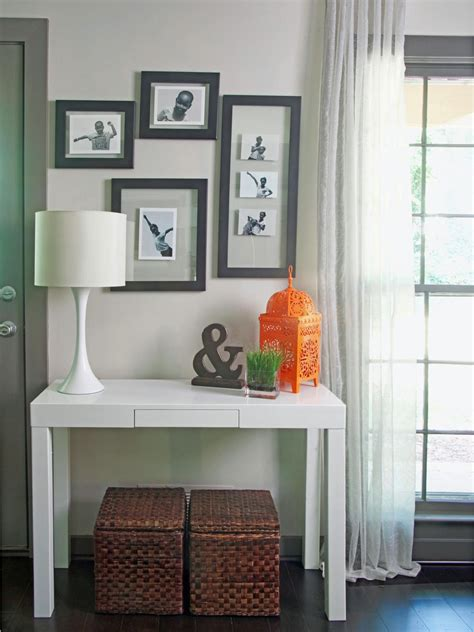 Living Room Entry Table Photos Hgtv