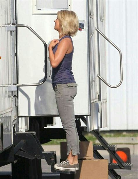 safe haven hair julianne hough on safe haven love her hair and style for