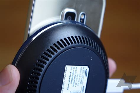 samsung wireless charger fan samsung s wireless charger is so powerful it needs a fan