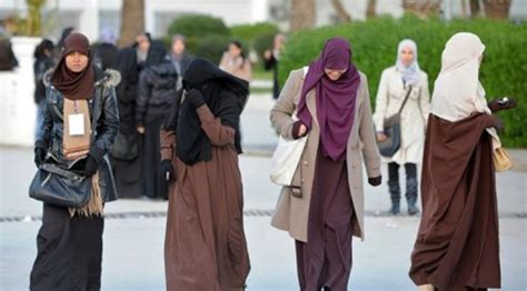 Khimar Jilbab Umi Hani Pet الداخلية التونسية تعلن تشديد المراقبة على ارتداء النقاب