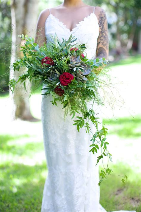 Fur String Aksesoris Bulu Bouquet bridal bouquet with emu feather and sea fern show images feathers emu and