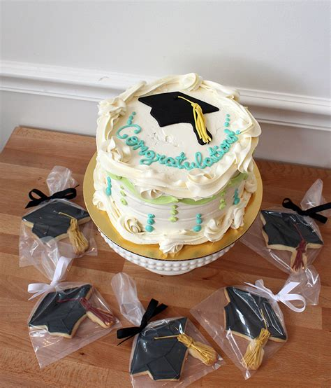 Dr Widya Two Way Cake graduation cakes 2014 oakleafcakes