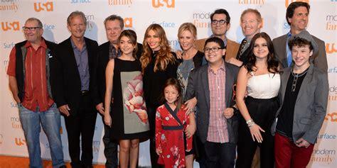 modern family modern family heads to australia for family vacation episode
