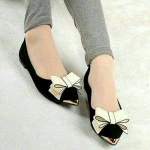 Flat Shoes Pita Putih sandal teplek flat wanita cantik model terbaru murah