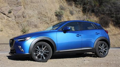 mazda cx  review tiny crossover suv wows  big style crisp handling roadshow