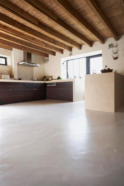 suelo de hormigon pulido microcemento alisado cemento pulido suelo continuo
