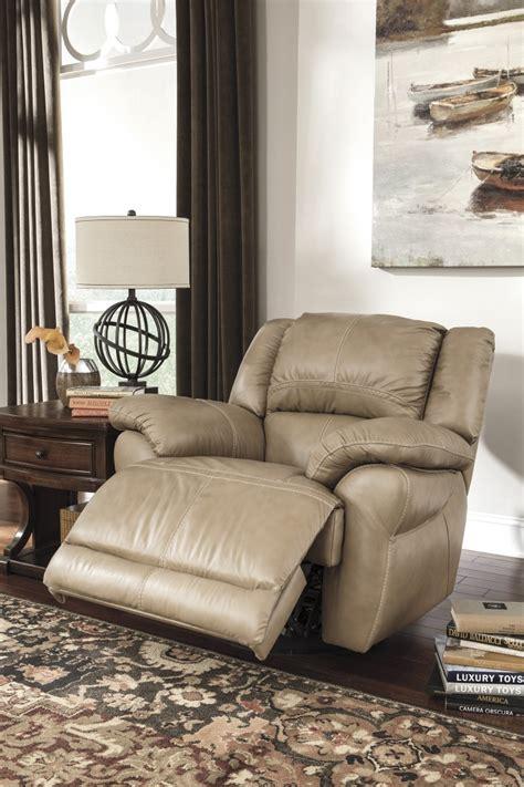 Furniture Stores Sterling Il by U9890428 Signature Design By 174 Lenoris Swivel Rocker