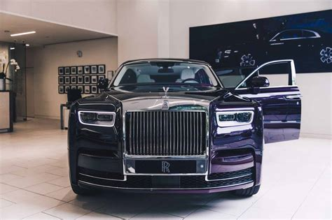 roll royce car 2018 this 2018 rolls royce phantom is purple on purple