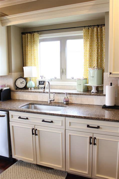 Nifty Kitchen Window Treatment Idea Also Love The Double Window Treatments For Kitchen Window Sink