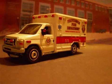 Matchbox 2009 Ford E 350 Ambulance matchbox ford e 350 ambulance 2009 wmv