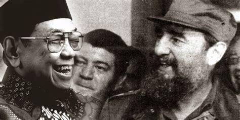 Kuba Celana Panjang 4 pemimpin negara di dunia yang dibuat ngakak abis oleh