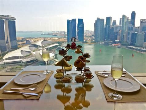 ritz carlton singapore new year goodies club lounge ritz carlton singapore ultimate luxury