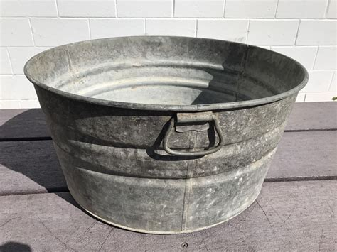 vtg primitive round galvanized metal rustic farm wash tub