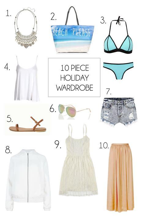 10 vacation capsule wardrobe