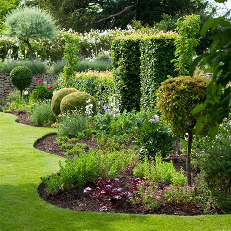 garden border ideas traditional garden pictures house to home