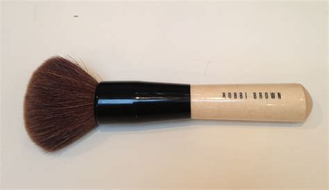 bobbi brown fan brush how to use bobbi brown bronzer brush how to