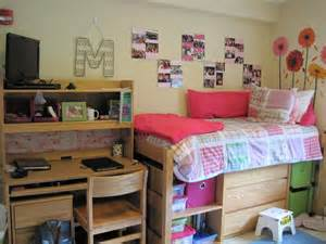 u of h room this look identical to all the same furniture that i had