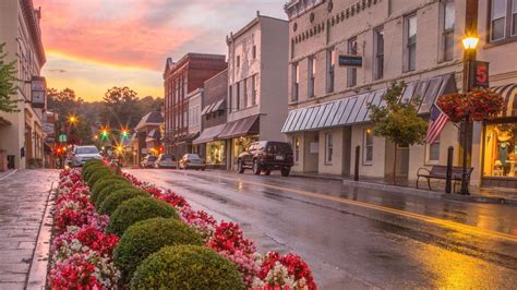 best small towns to live in best small towns in the south for retirement southern living