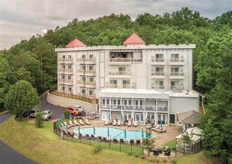resort hotel  helen georgia