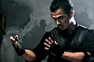 iko uwais main film bareng keanu reeves july 2012 p p